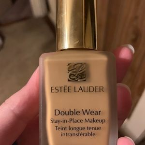 Estée Lauder doublewear foundation